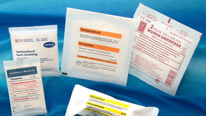 Produkte mit Verpackungsmaschinen in dichten Papierbeuteln steril verpacken